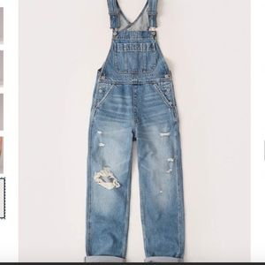 ABERCROMBIE & FITCH RIPPED HIGH RISE OVERALLS,